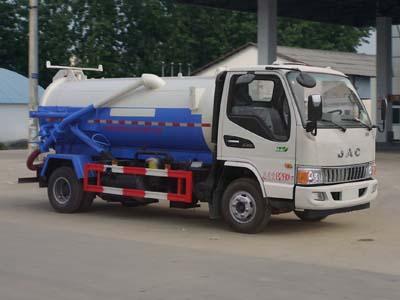 程力威牌CLW5080GXWH5型吸污车