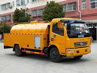 程力威牌CLW5082GQXD5型清洗车