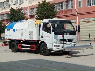 程力威牌CLW5110GQXD5型清洗车