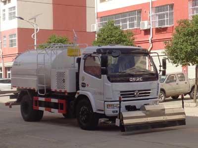 程力威牌CLW5116GQXD5型清洗车
