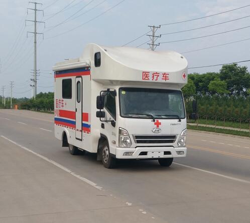 程力威牌CLW5040XYL5型医疗车