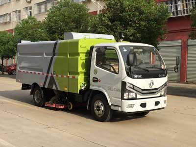 程力威牌CLW5071TXC6型吸尘车
